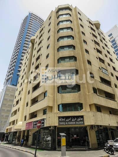 محل تجاري  للايجار في المجاز، الشارقة - EXCLUSIVE OFFER ONE MONTH FREE FOR SHOPS IN AL JOURI BUILDING