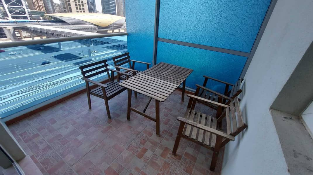 2 Chiller Free   Maintenance Free   Open View   Mid-High Floor   2 Terrace/Balcony