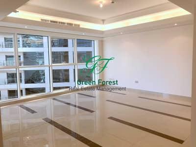 شقة 3 غرف نوم للايجار في منطقة الكورنيش، أبوظبي - Brand new  Three Bedroom Apartment Along maid room & balcony