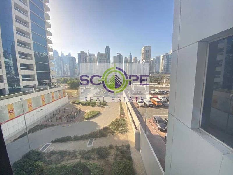 9 SPACIOUS ONE BED CHILLER FREE NEAR METRO BALCONY