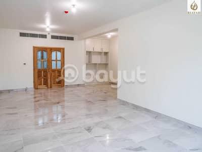 شقة 3 غرف نوم للايجار في شارع المطار، أبوظبي - Huge and Well Maintained  | Fully Renovated | Close Kitchen