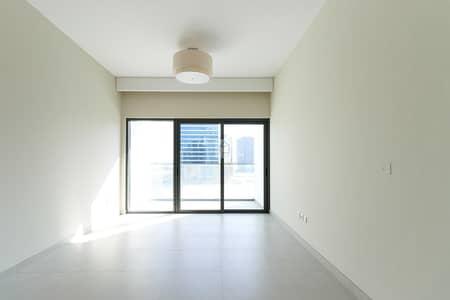 استوديو  للايجار في الخليج التجاري، دبي - Brand New Luxurious Studio Apt with Balcony