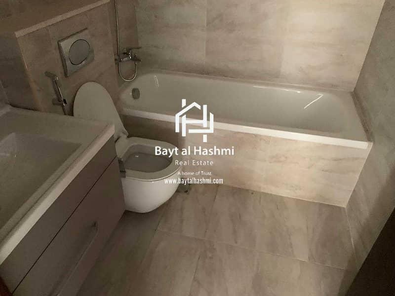 10 Specious 1 Bedroom with Balcony Murano-1