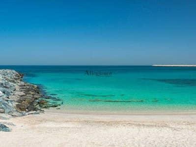 ارض سكنية  للبيع في جميرا، دبي - Sea view Plot| First Line| Vacant