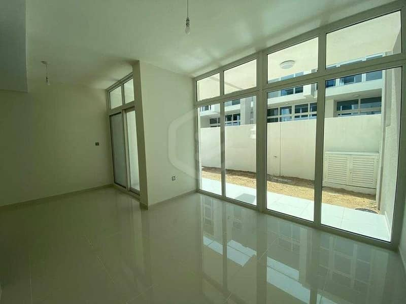 Newly Hand Over | 3 Bedroom Villa | Middle Unit