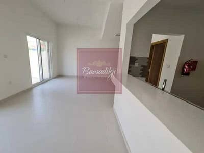 تاون هاوس 3 غرف نوم للبيع في دبي لاند، دبي - Single Row | Mid Unit | 3BR | Maids
