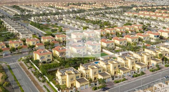 فیلا 3 غرف نوم للبيع في جميرا بارك، دبي - legacy small well maintained district 8