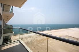 Stunning Sea View Studio Apartment - Great Amenities