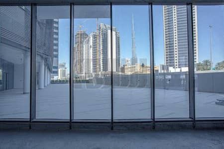 Shop for Rent in Business Bay, Dubai - Canal Facing | Located in a Residential Tower
