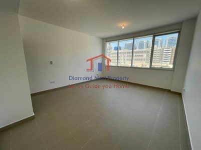 فلیٹ 2 غرفة نوم للايجار في منطقة النادي السياحي، أبوظبي - Spacious 2 BHK | Modern Building | Easy Parking