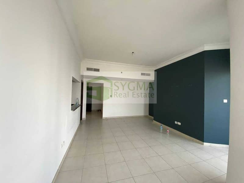 2 Genuine  Listing  Higher Floor with Parking