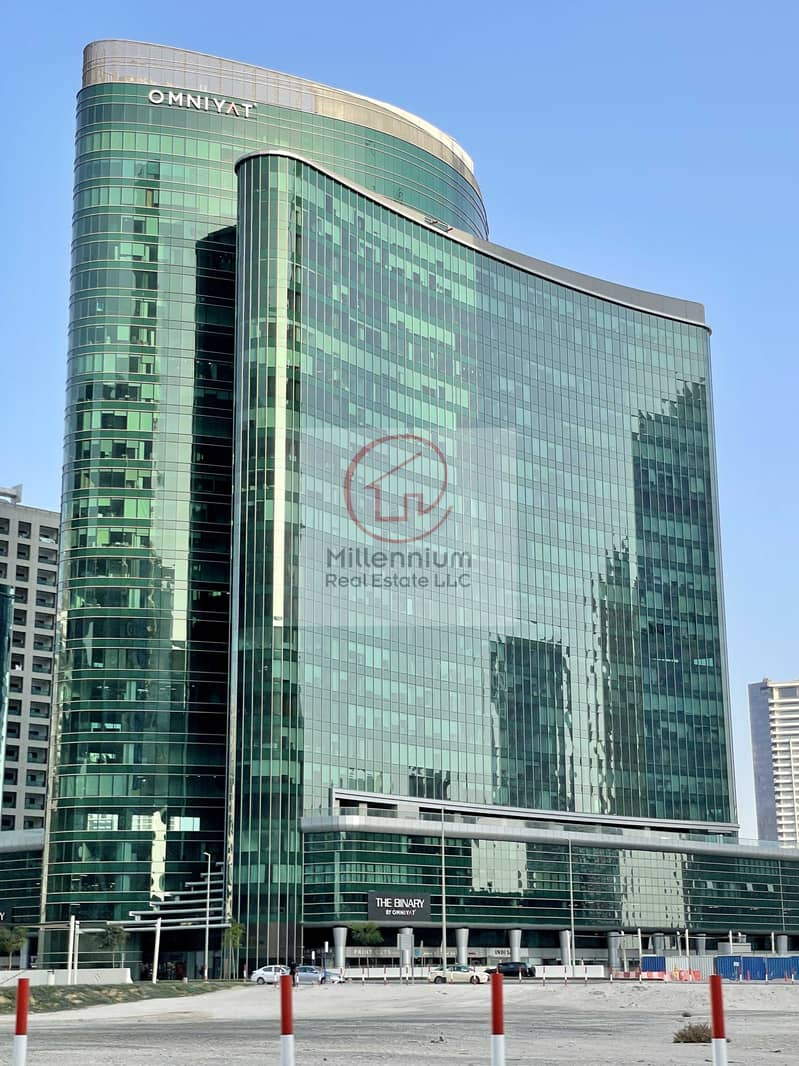 13 SPACIOUS & FITTED office for sale / 15 min walking distance to metro station / Close to Dubai Downtown