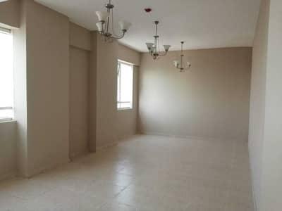 فلیٹ 2 غرفة نوم للايجار في أبو شغارة، الشارقة - شقة في أبو شغارة 2 غرف 30000 درهم - 4875417