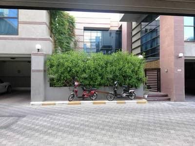 فیلا 5 غرف نوم للايجار في المشرف، أبوظبي - فیلا في المشرف 5 غرف 220000 درهم - 4957032