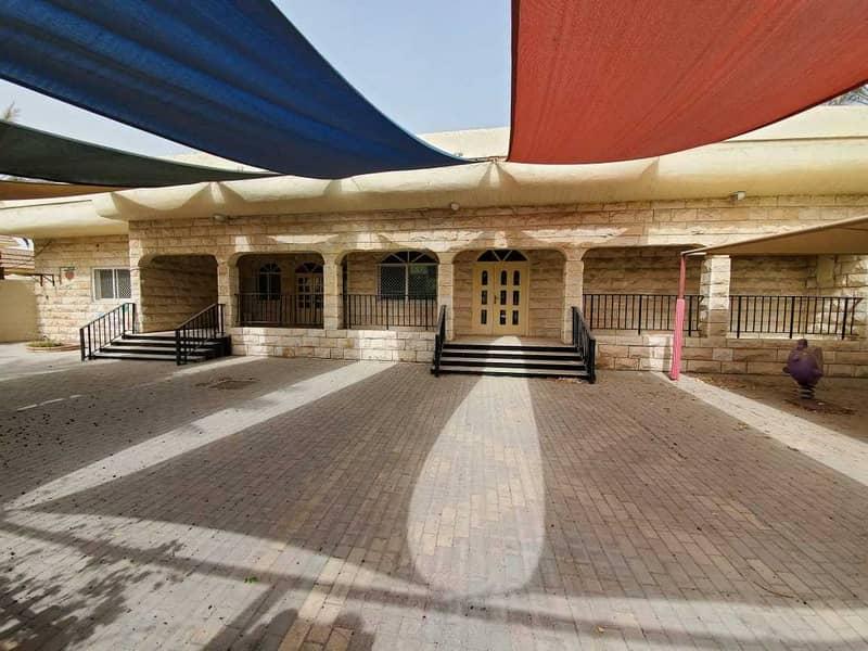 Villa for rent in Sharjah / Al Shahba area great location on main street