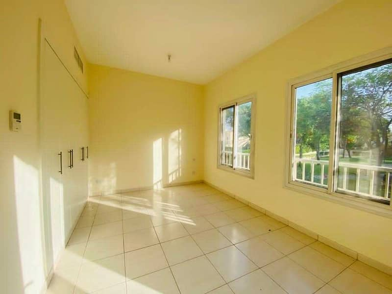 2 Close to Amenities   Maintained  4M