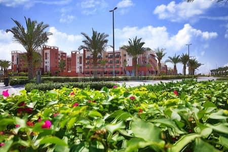 شقة 2 غرفة نوم للايجار في الغدیر، أبوظبي - POOL VIEW WITH BOLCONY 2 BHK FOR RENT IN AL GHADEER AT50/- K IN 4 CHEQUES