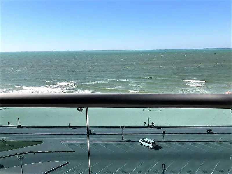 3 غرف وصالة اطلالة على البحر ابراج كورنيش عجمان