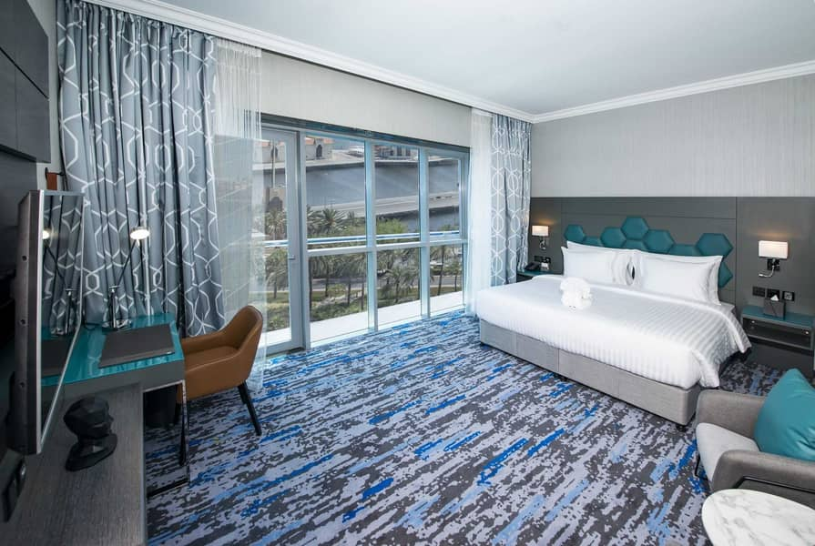 Elegantly Styled Two Bedroom at Edge Creekside Hotel