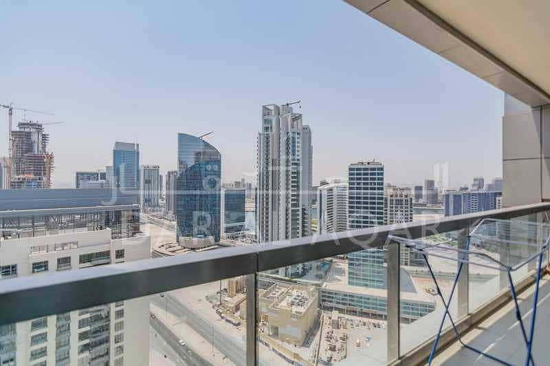 Amazing   ROI 6%   Spacious   High Floor   Canal View