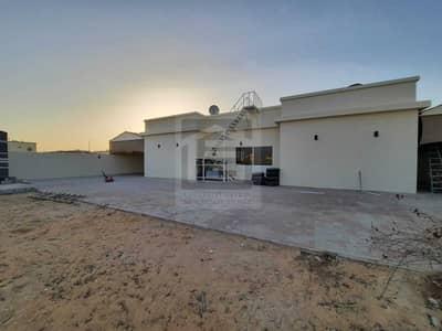 3 Bedroom Villa for Rent in Al Khawaneej, Dubai - SPECIOUS 3 BEDROOMS VILLA WITH POTA CABIN
