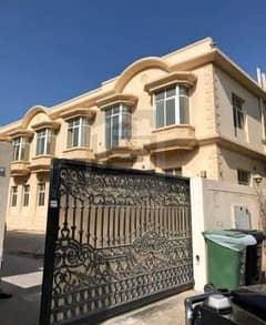 Newly Renovated Huge 9 Bedrooms villa for rent in Umm Suqeim