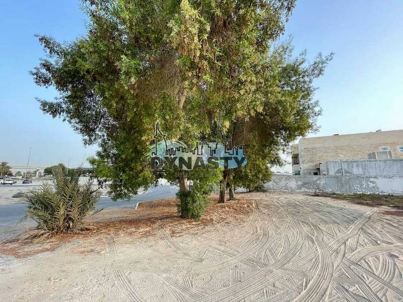 10 Just 2 Min From Sheikh Zayed Road | Grade A Location