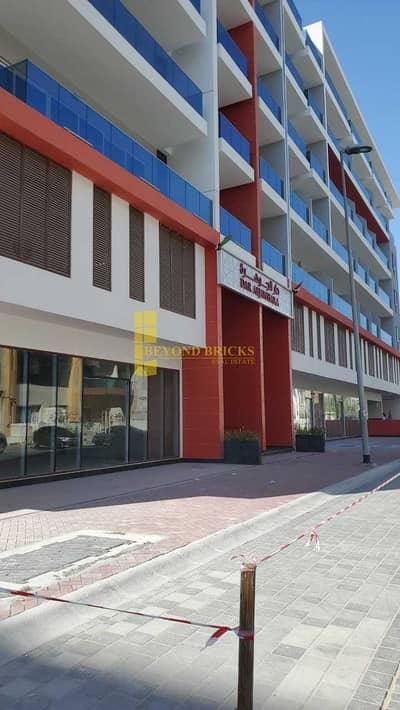 محل تجاري  للايجار في قرية جميرا الدائرية، دبي - Dar Al Jawhara Brand New Retail Shops JVC