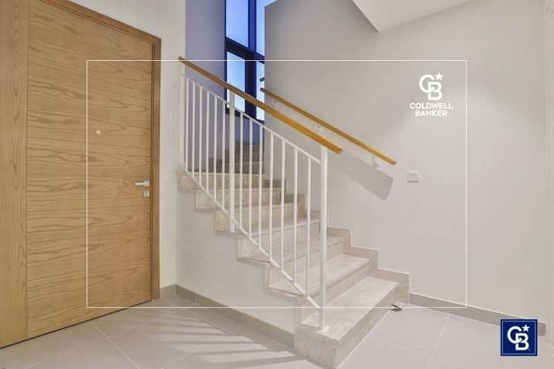 10 Maple   4 Bedroom Villa   Fully Furnished for Sale