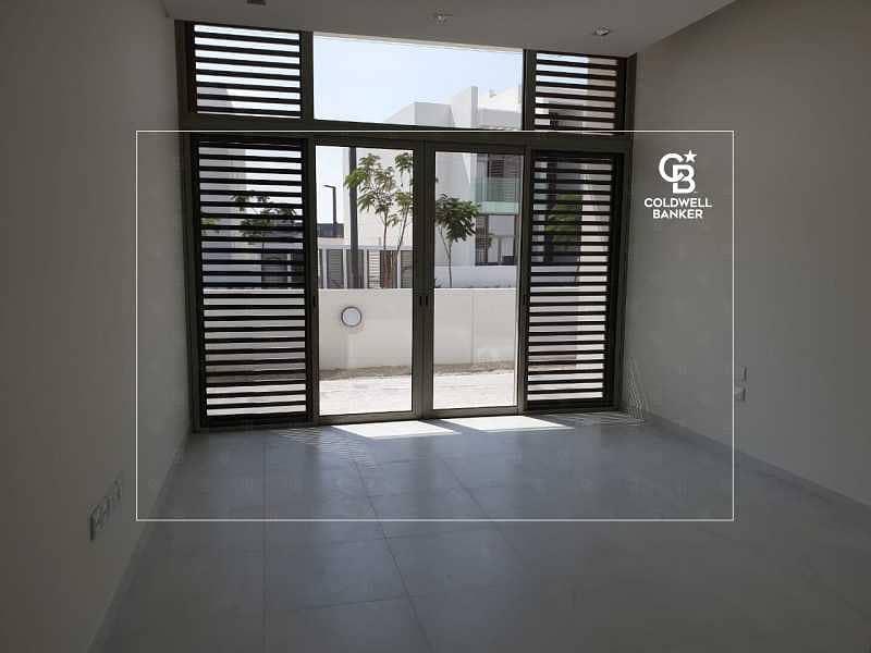 14 Exclusive Duplex Villa | Contemporary | Huge Plot