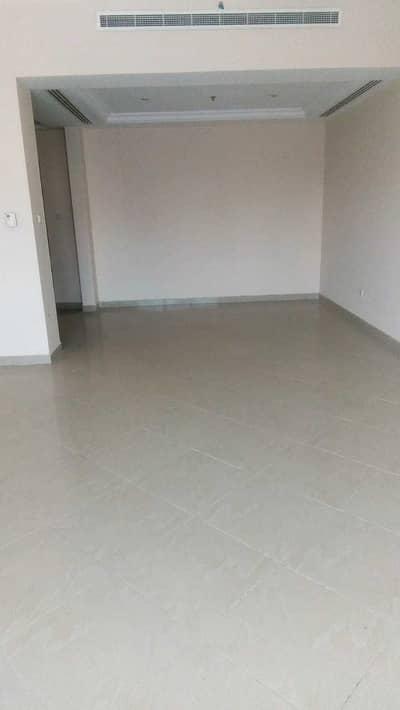 شقة 2 غرفة نوم للبيع في المجاز، الشارقة - شقة في برج الفراسة المجاز 1 المجاز 2 غرف 550000 درهم - 5179532