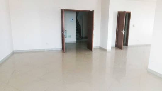4 Bedroom Apartment for Sale in Al Majaz, Sharjah - Fair-Sized And Comfortable Duplex 4BR For Sale Available in Al Ferasa Tower