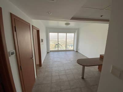 3 Bedroom Flat for Rent in Sheikh Zayed Road, Dubai - Dewa Chiller Free | 3 BR Connected to Metro I 1 Month Free