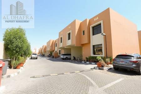 فیلا 4 غرف نوم للايجار في المنتزه، أبوظبي - Private Compound Community! Large 4BHK Villa