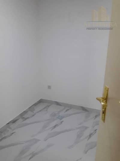 شقة 4 غرف نوم للايجار في شارع الشيخ خليفة بن زايد، أبوظبي - Upgraded | Main Road View | Corniche Area