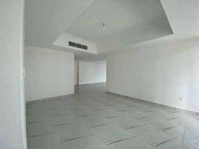 شقة 4 غرف نوم للايجار في شارع السلام، أبوظبي - Spacious 4BHK Flat Close to Sheraton Corniche