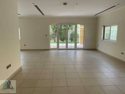 3 Bedroom Villa for Sale in Jumeirah Park, Dubai - AMAZING 3BR LEGACY LARGE VILLA FOR SALE IN JUMEIRAH PARK