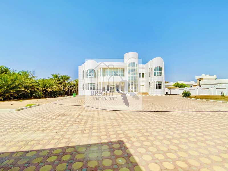 2 6 Bedroom Villa With Big Yard in Falaj Hazza