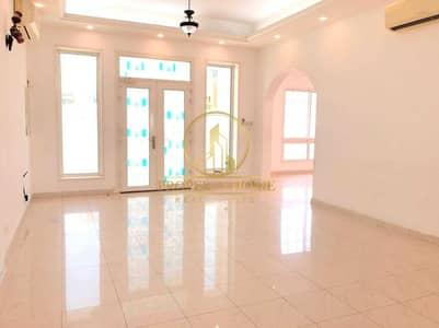 7 Bedroom Villa for Sale in Al Quoz, Dubai - Independent Arabic Villa   Community View   Majlis