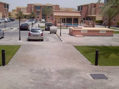 2 Bedroom Townhouse for Rent in Al Nahyan, Abu Dhabi - 2 B/R + Maid room