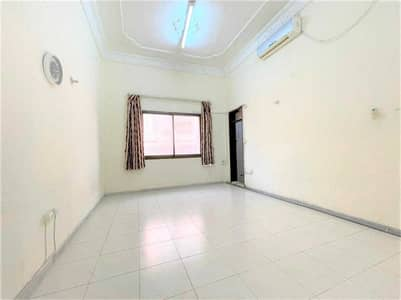 Studio for Rent in Al Bateen, Abu Dhabi - NO COMMISSION W/ PARKING- BEAUTIFUL STUDIO IN BATEEN NEAR BATEEN MALL AND CENTRAL BANK