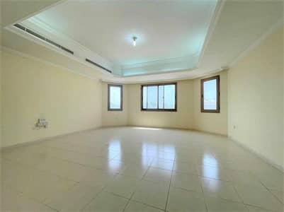 Studio for Rent in Al Mushrif, Abu Dhabi - FREE PARKING-CLASSY AND VERY SPACIOUS STUDIO LOCATED NEAR NOVOTEL IN MUSHRIF
