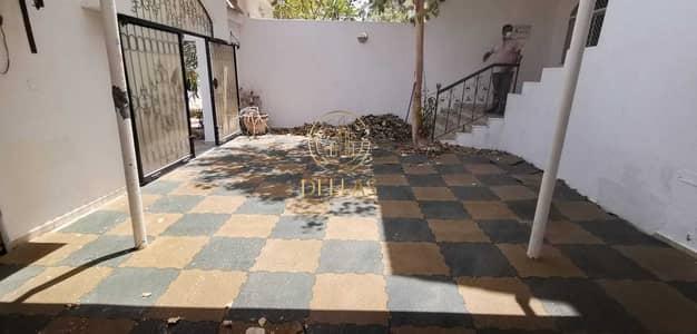 فیلا 6 غرف نوم للايجار في الكرامة، أبوظبي - Amazing Villa | 6 Master-Bedrooms