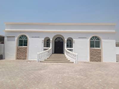 3 Bedroom Villa for Rent in Al Ramtha, Sharjah - Ground floor villa in front of the garden in Al-Ramtha