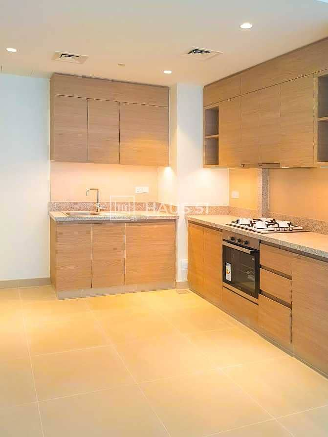 2 Beautiful 2 Bedroom Acacia with Park and Pool View