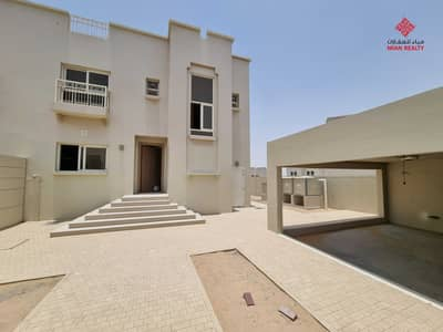 فیلا 3 غرف نوم للايجار في براشي، الشارقة - فيلا جديدة بتصميم معماري حديث من 3 غرف نوم في البراشي مع حديقة خاصة بسعر 80،000 / سنة