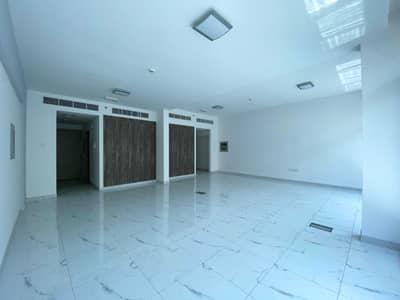 مکتب  للايجار في أم الشيف، دبي - مکتب في SKB بلازا أم الشيف 101465 درهم - 5166534
