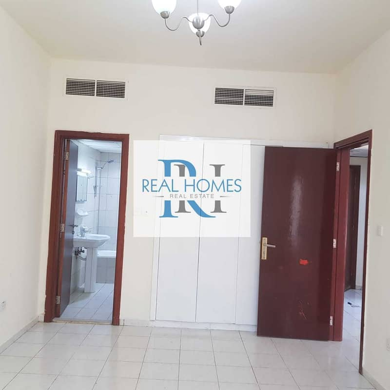 2 1 Bedroom With Balcony! Vacant Unit! Ideal For End User