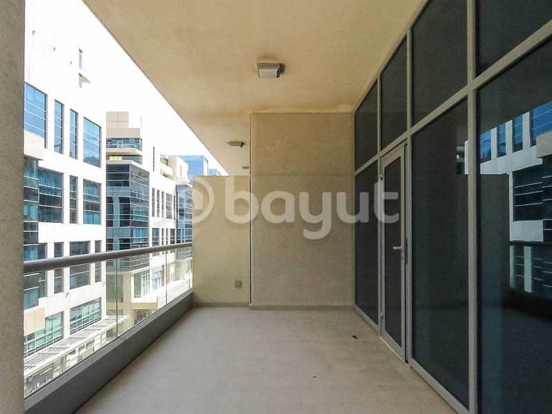 15 850 (!!!!) sq ft Studio - begger than 1 bedroom   terrace