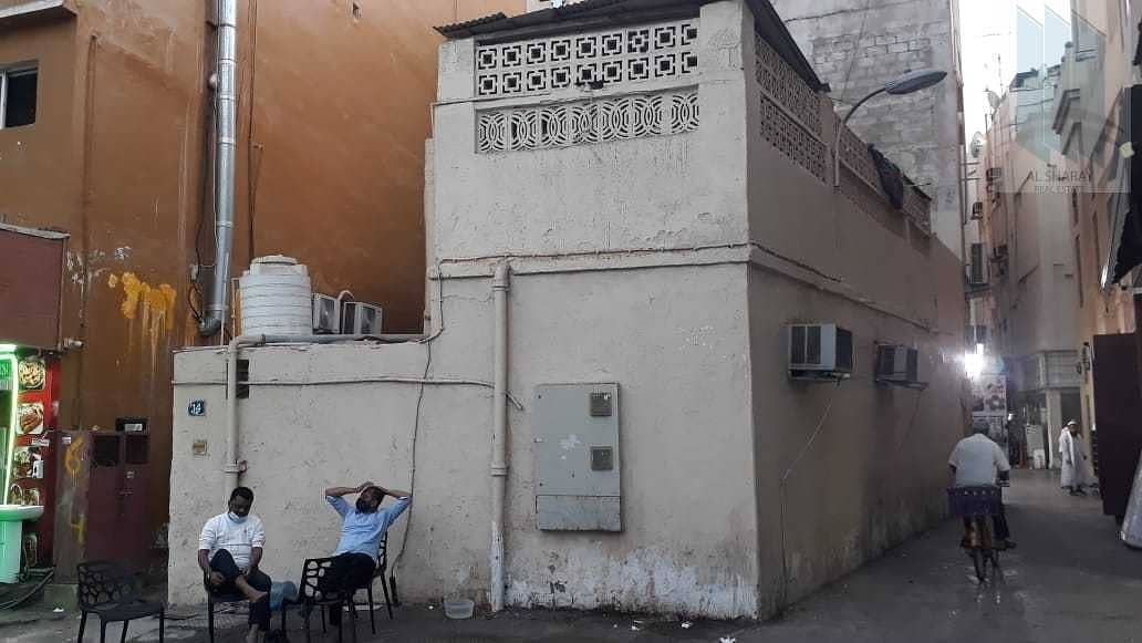 House for sale in Prime commercial area